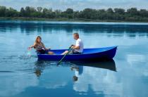 3 - Стеклопластиковая лодка Дельфин