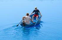 4 - Стеклопластиковая лодка Омуль