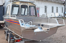 2 - Wyatboat-660 Cabin