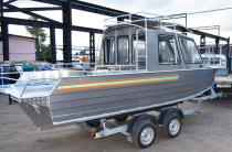 4 - Wyatboat-660 Cabin