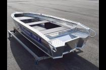 7 - Wyatboat-390 P