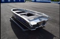 9 - Wyatboat-390 P